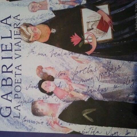 11/2/2013에 Claudia C.님이 MásKe Libros에서 찍은 사진
