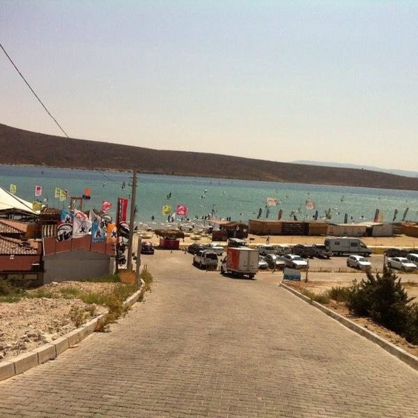 Das Foto wurde bei Alaçatı Surf Paradise Club von Onur Z. am 7/16/2013 aufgenommen