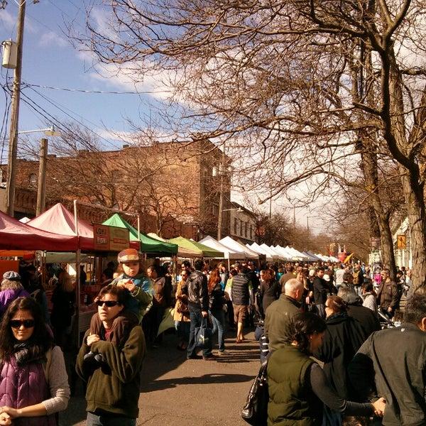 Photo prise au Ballard Farmer's Market par Bruce M. le3/3/2013