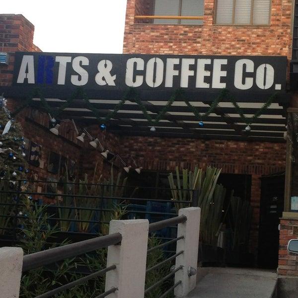 Foto diambil di Arts & Coffee Co. oleh Priscilla g. pada 12/21/2012