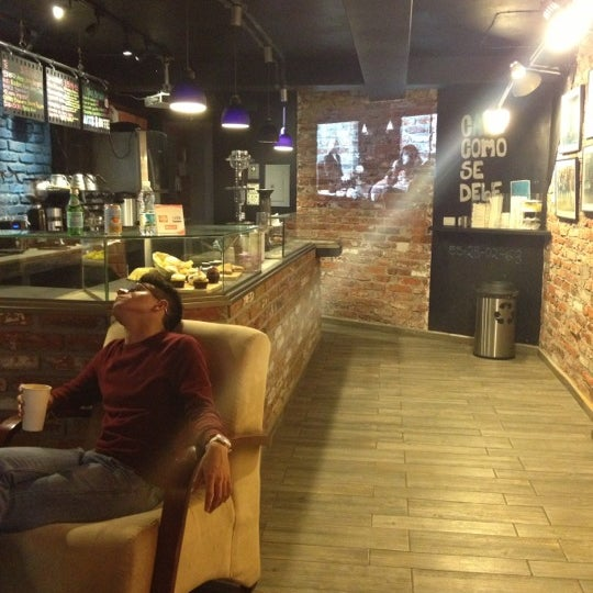 Foto diambil di Arts & Coffee Co. oleh Priscilla g. pada 11/24/2012