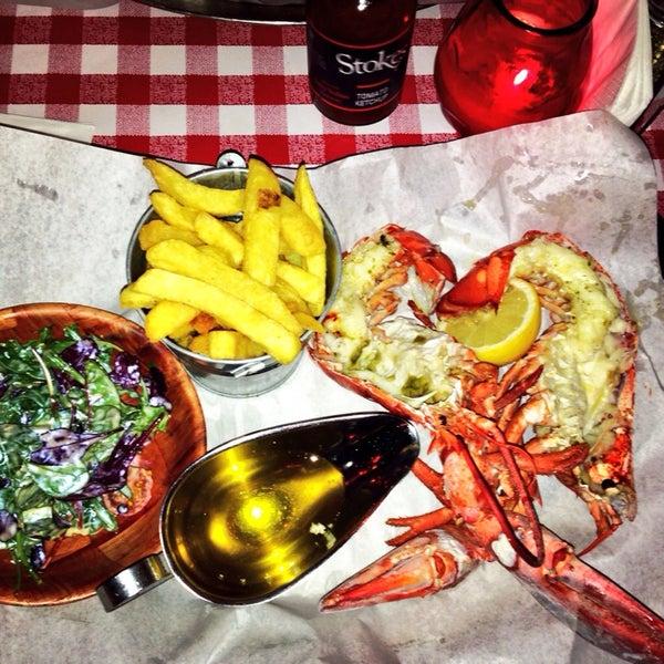 Foto tirada no(a) Big Easy Bar.B.Q & Crabshack por Bode C. em 1/30/2014