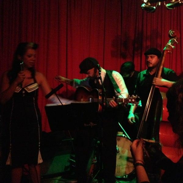 7/13/2013에 Liana F.님이 Clube Silêncio에서 찍은 사진