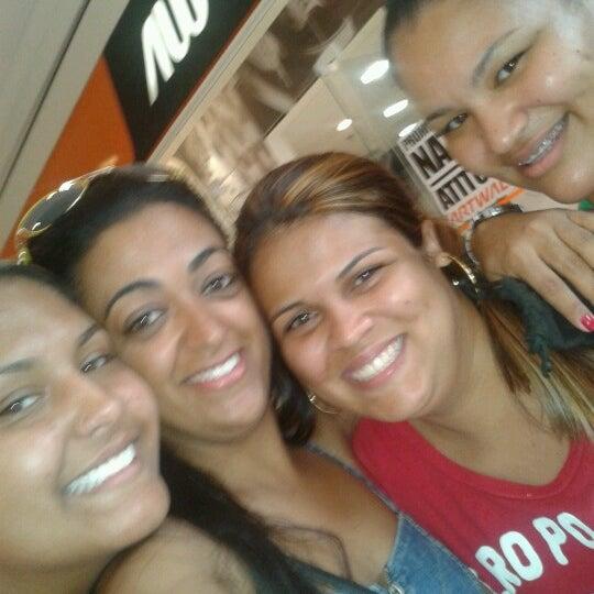 12/26/2012 tarihinde Geize P.ziyaretçi tarafından Shopping Campo Limpo'de çekilen fotoğraf
