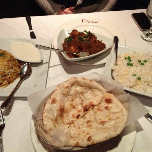 Photo prise au 2 Darbar Grill Fine Indian Cuisine par Roshni G. le1/23/2013