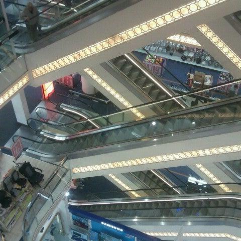 Foto scattata a Demirören İstiklal da Özge E. il 11/28/2012