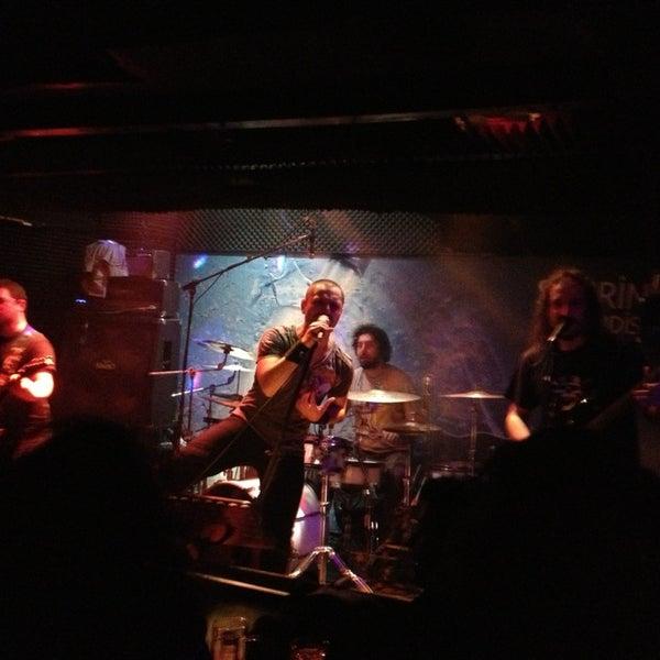 Foto tirada no(a) Dorock Heavy Metal Club por Hakan D. em 1/11/2013