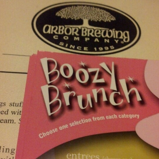 Foto tomada en Arbor Brewing Company por Trisha V. el 12/2/2012
