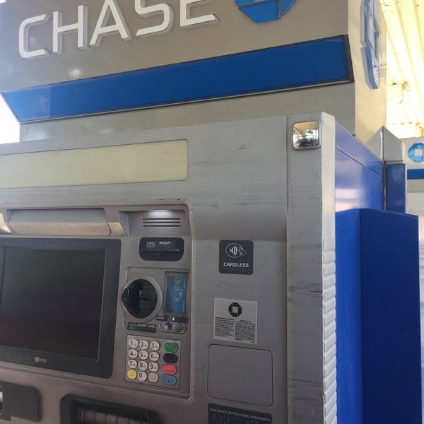 Chase Bank - 5601 N 10th St