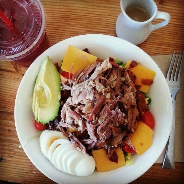 รูปภาพถ่ายที่ Railtown Cafe โดย Nancy H. เมื่อ 3/26/2013