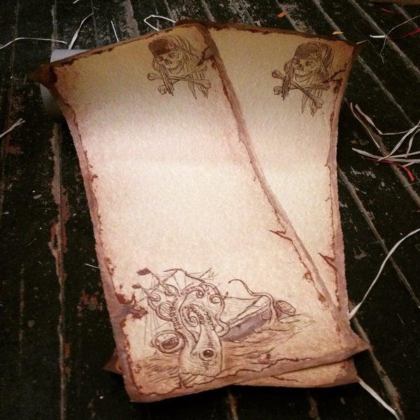Изорванные исторические свитки вов