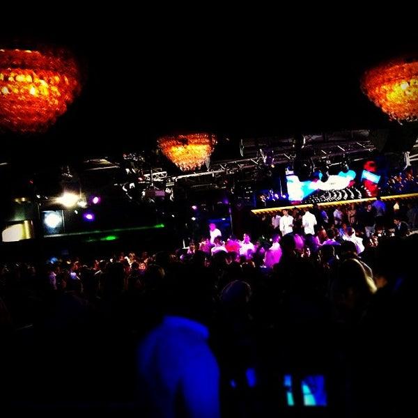 Das Foto wurde bei The Sutton Club von Sander v. am 10/28/2012 aufgenommen