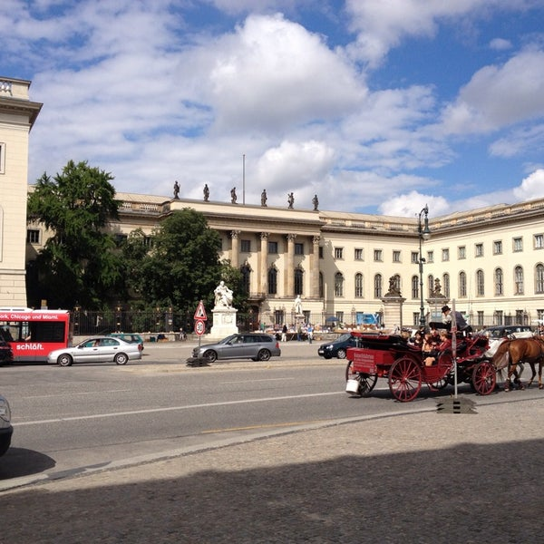 8/11/2013에 Robert H.님이 Humboldt-Universität zu Berlin에서 찍은 사진