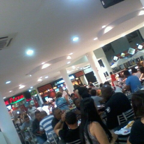 Foto tirada no(a) Itajaí Shopping Center por Jaoana O. em 1/26/2013