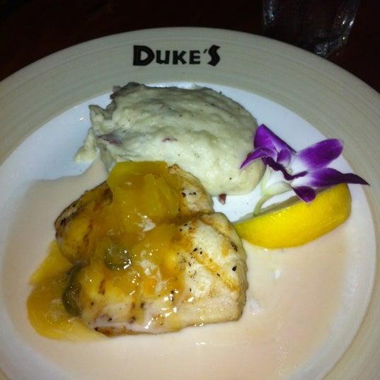 3/17/2012에 Rick W.님이 Duke's Kauai에서 찍은 사진