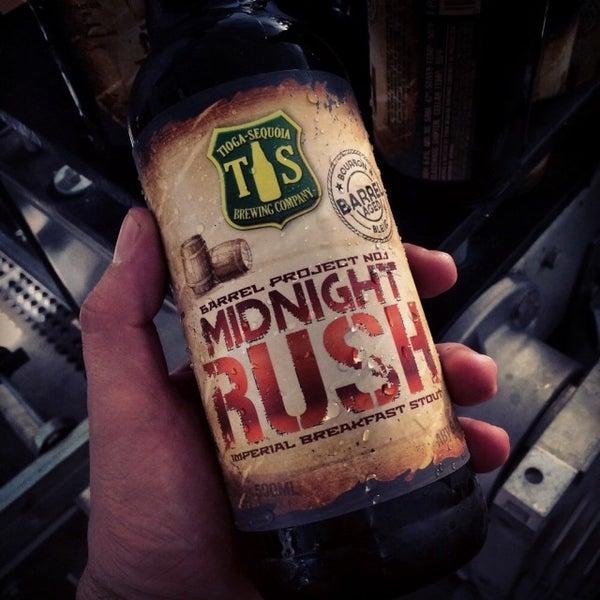 12/17/2014 tarihinde Michael C.ziyaretçi tarafından Tioga-Sequoia Brewing Company'de çekilen fotoğraf