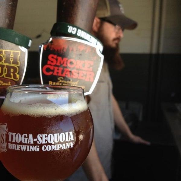 7/11/2014 tarihinde Michael C.ziyaretçi tarafından Tioga-Sequoia Brewing Company'de çekilen fotoğraf