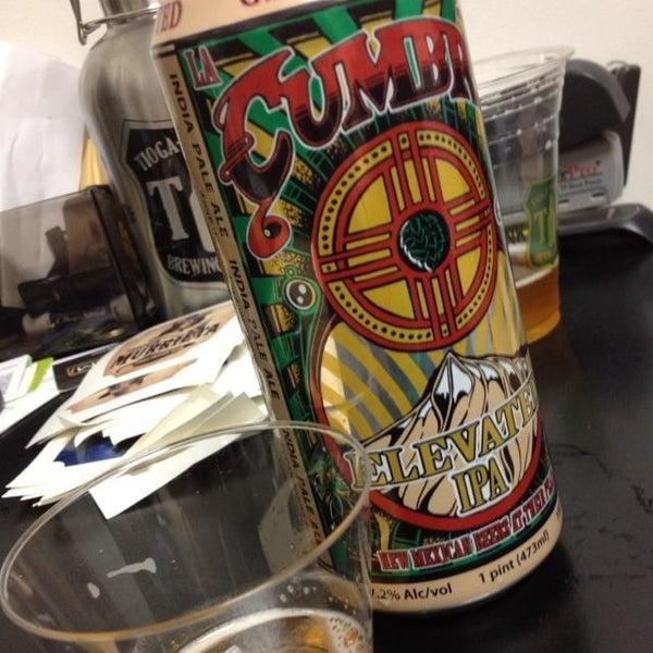 2/2/2014 tarihinde Michael C.ziyaretçi tarafından Tioga-Sequoia Brewing Company'de çekilen fotoğraf