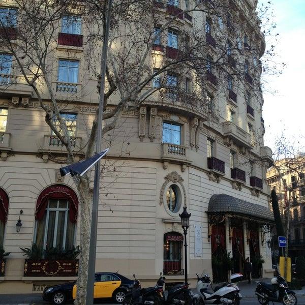 Foto tirada no(a) El Palace Hotel Barcelona por Alicia B. em 2/6/2013