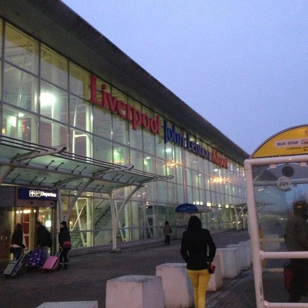 รูปภาพถ่ายที่ Liverpool John Lennon Airport (LPL) โดย Emma M. เมื่อ 2/20/2013