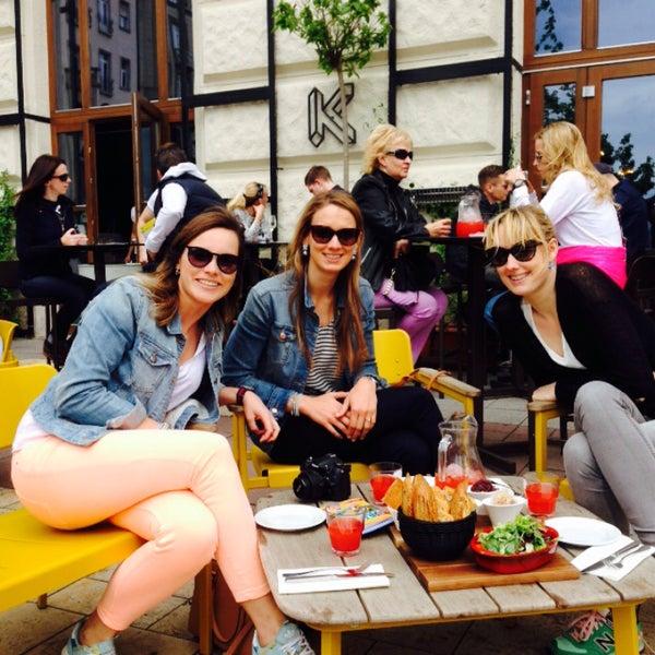 Снимок сделан в KIOSK Budapest пользователем Celine L. 5/1/2015
