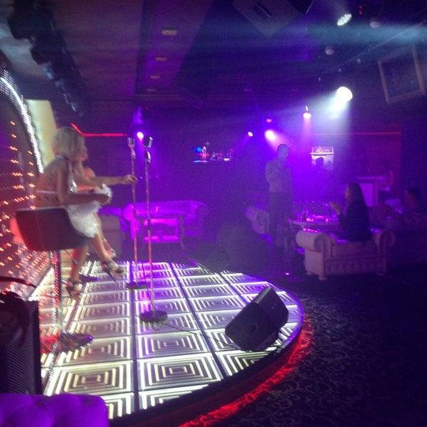 Палево в ночных клубах стриптиз клубы и девушки фото