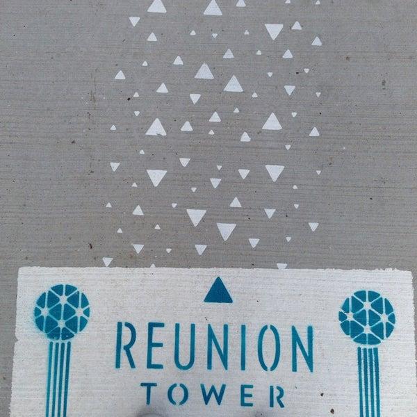12/11/2013にWhitney R.がReunion Towerで撮った写真