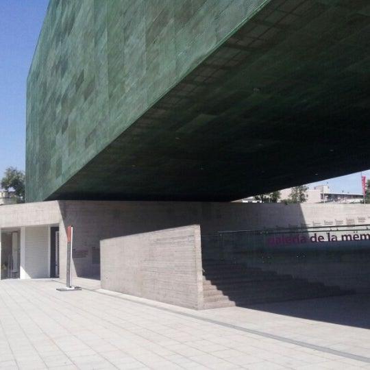 Foto diambil di Museo de la Memoria y los Derechos Humanos oleh Eduardo B. pada 1/25/2013