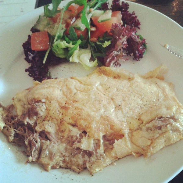 I love to go here by myself and have the Omelet Confit de Canard. Great atmosphere, lovely place near the Westerpark and dinner is also -very- good.