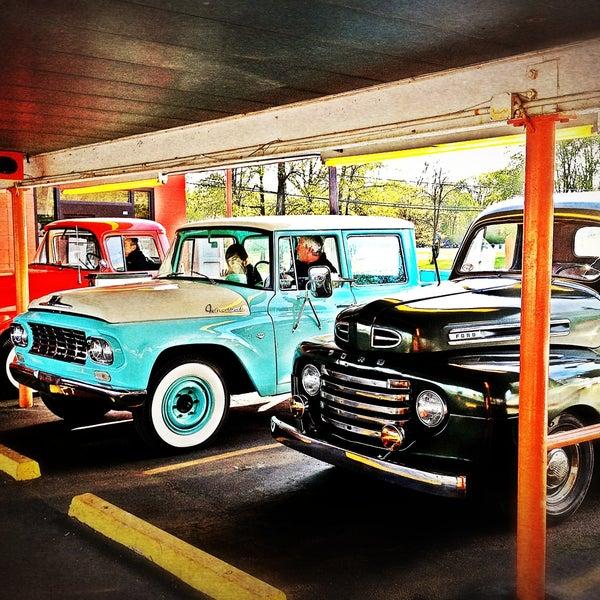 Foto diambil di Eddie's Drive In oleh Todd K. pada 5/13/2013