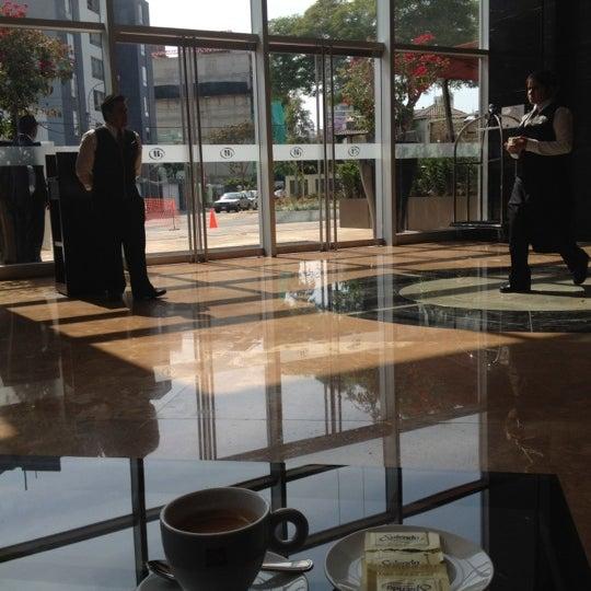 Foto scattata a Hilton da Laura C. il 12/13/2012