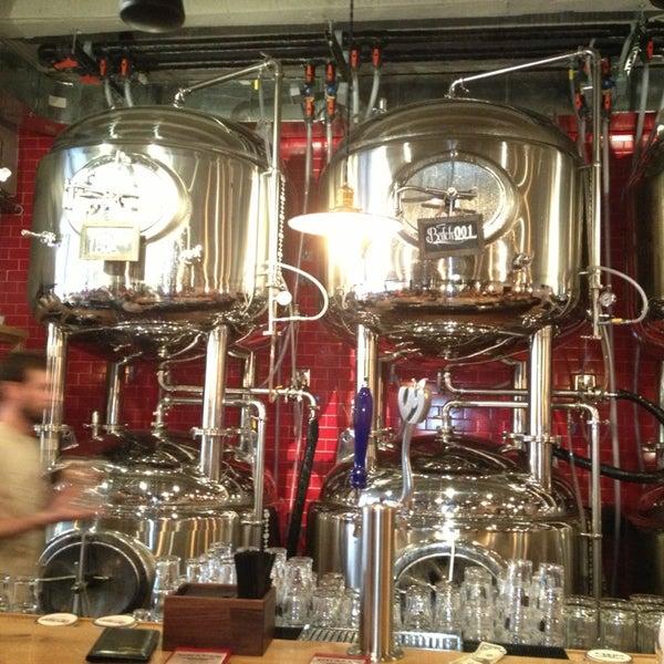6/16/2013에 Marisol J.님이 DryHop Brewers에서 찍은 사진