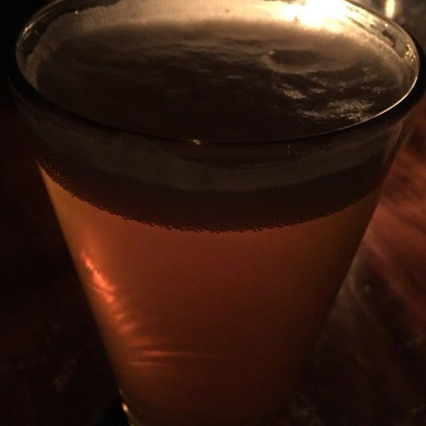Photo prise au The Portside Pub par Al H. le6/20/2015