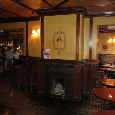 The starting point for a literary pub crawl taking in all the haunts of Dublins 'literati' – check the website for details.