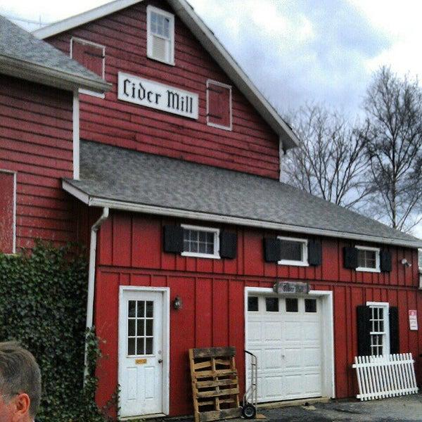 Hacklebarney Farm Cider Mill & Bakery - Chester, NJ