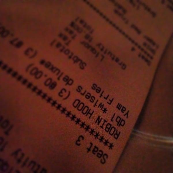 Foto diambil di Subeez Cafe Restaurant Bar oleh Rob B. pada 3/9/2014