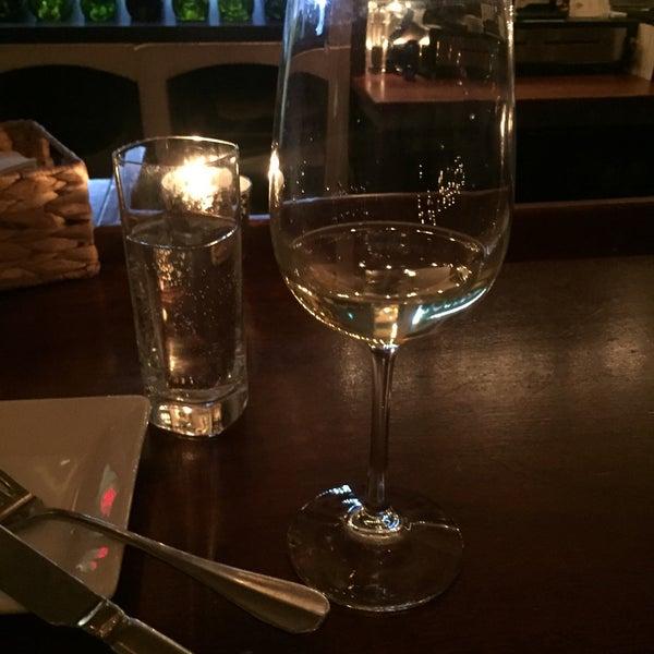 2/19/2016にEinat B.がThe Tangled Vine Wine Bar & Kitchenで撮った写真