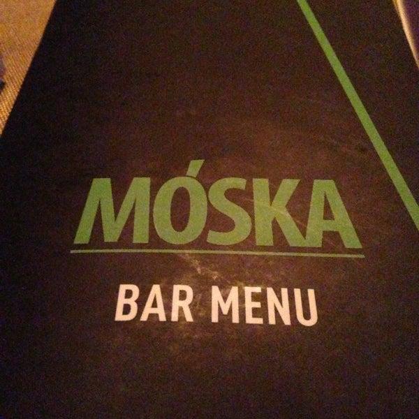 Foto scattata a Moska Bar da Alena O. il 2/14/2013