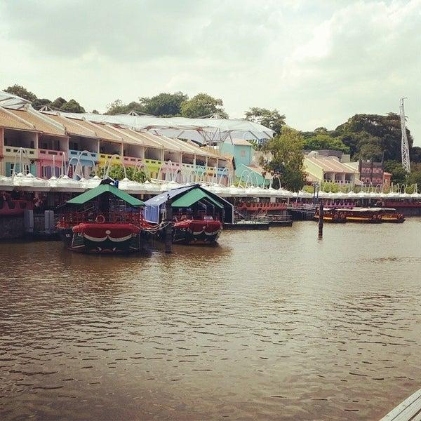 Foto diambil di Singapore River oleh Abdul M. pada 6/23/2014
