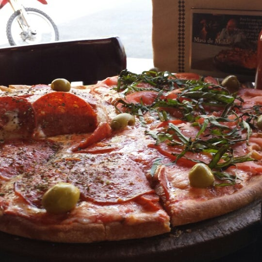 Foto tomada en Central de Pizzas por María E. el 11/13/2013