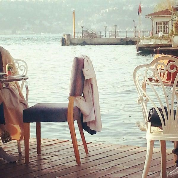 Foto tomada en Boon Cafe & Restaurant por Merve el 10/7/2014