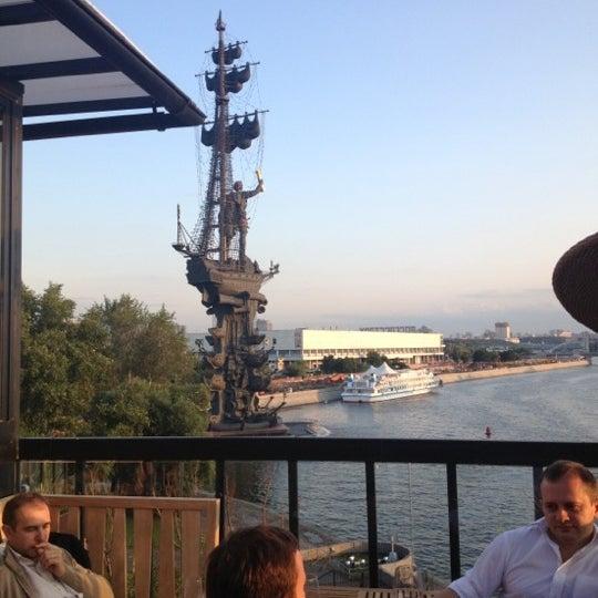 Foto tirada no(a) Ресторан & Lounge «Река» por *** em 7/10/2013