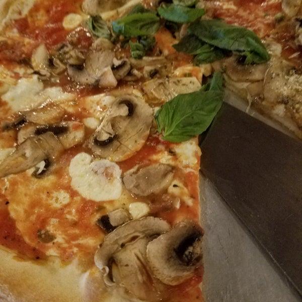 Pizza Tannenbaum.Al Forno Pizzeria Now Closed Pizza Place In Upper East Side