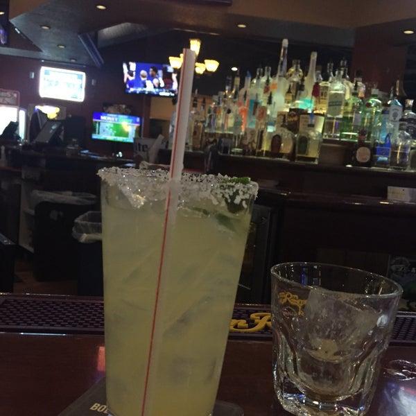 2/23/2017에 💀Charlie🇺🇸 B.님이 Two Stooges Sports Bar & Grill에서 찍은 사진
