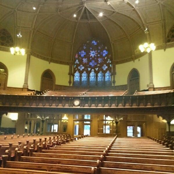 Foto diambil di Fifth Avenue Presbyterian Church oleh Aldo M. pada 11/7/2014