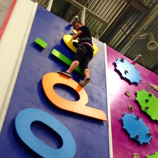 7/15/2014にMary T.がSender One Climbing, Yoga and Fitnessで撮った写真