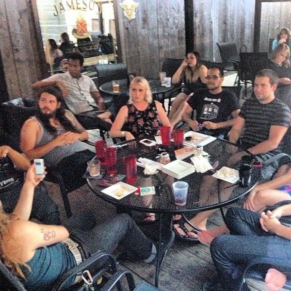 6/13/2013 tarihinde Amanda D.ziyaretçi tarafından Royal Oak Bar and Grill'de çekilen fotoğraf