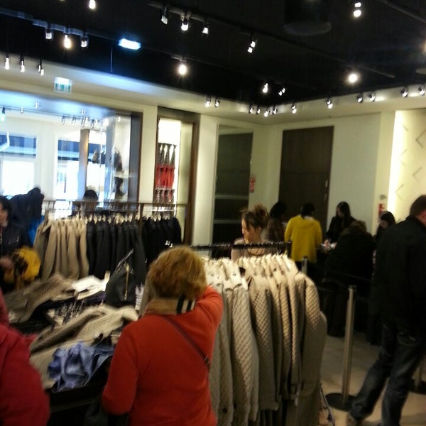 d81a65ca65e5a Burberry Outlet - 9 tips from 692 visitors