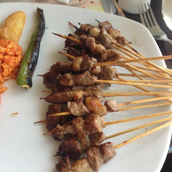 Foto diambil di Topçu Restaurant oleh Bülent C. pada 3/6/2013