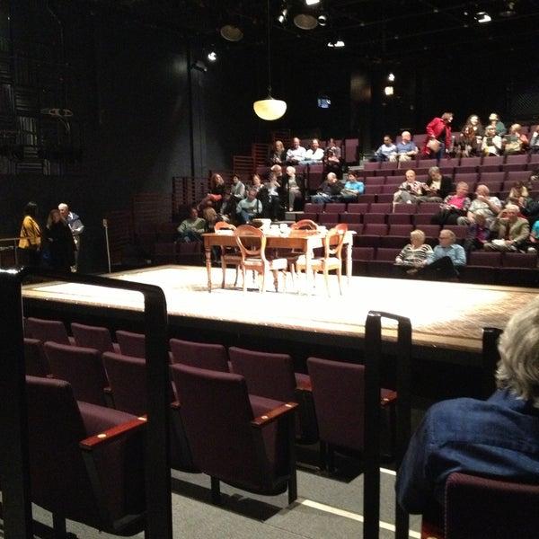 4/28/2013にLindsay S.がSteppenwolf Theatre Companyで撮った写真